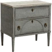 Late-Gustavian chest with original locks and hardware, circa 1820.