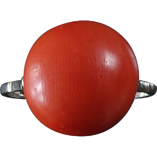 1930s Elegant Art Deco Coral White Gold Ring