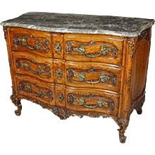 Late 18th Century Franco Flemish Carved Oak Commode, Retaining the Original Marble Top and Handles. Circa 1780. (c. 1780 France)