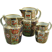 Chamberlain Worcester matched set of three Japan pattern jugs