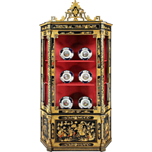 Italian Cabinet in the Chinoiserie Style