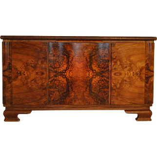Art Deco Buffet in Walnut