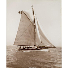 Early silver gelatin photographic print by Beken of Cowes - Yacht Pelleas II