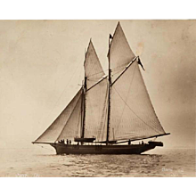 Early silver gelatin photographic print by Beken of Cowes - Schooner surf