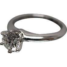 .950 - 1.20 ct - Tiffany & Co Diamond Solitaire VVS2 - Complete with Tiffany Certification and Appraisal