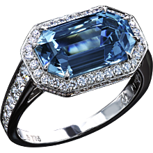 Art Deco Aquamarine ring set East-West