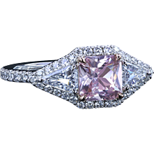 Montpassier™ ring with 1.24 carat natural sapphire