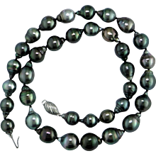 Tahiti Cultured Black Pearls