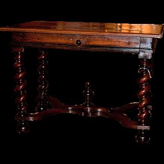 18th Century Walnut Louis XIII style Bordelaise Bureau Plat